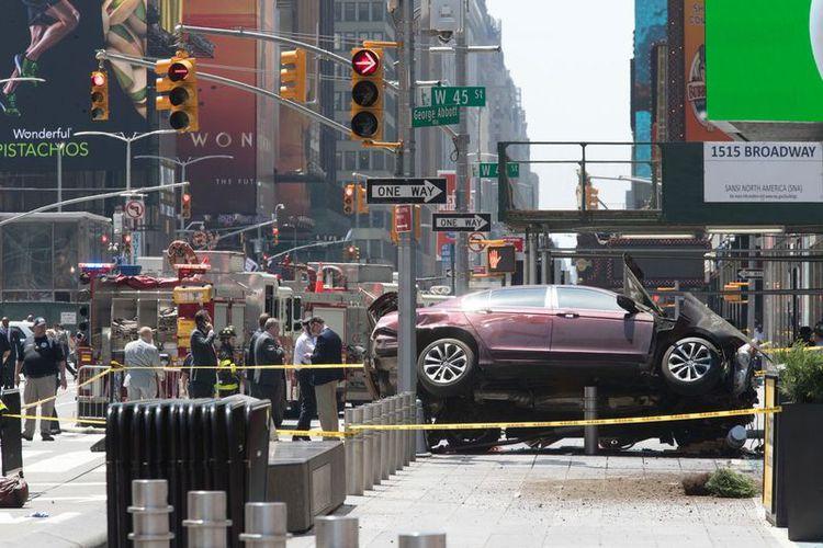 Nueva York: un auto atropelló a 10 personas en Times Square