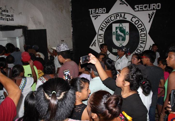 La comandancia de Teabo fue saqueada y las autoridades recurrieron al apoyo de Estatales, para contener la molestia de la ciudadanía. (SIPSE)