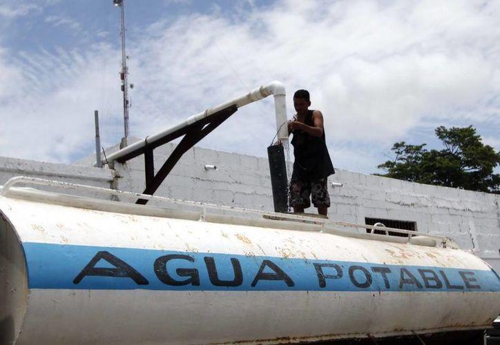 Aguakán ofrece la venta de agua potable a las pipas (Redacción/SIPSE)