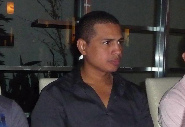 De acuerdo con el recuento hecho por Notimex, el yucateco Guty Espadas Jr. está entre los cinco pugilistas que más combates ha sostenido con compatriotas. (Notimex)