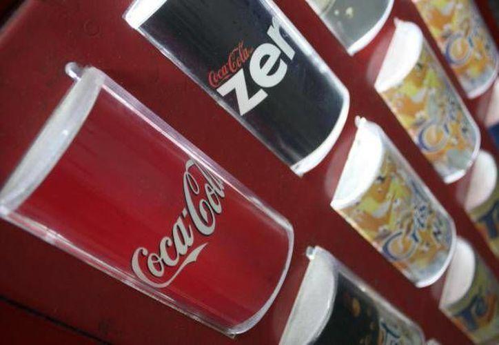 Preocupa cada vez más la obesidad causada por ingerir bebidas azucaradas. (Agencias)