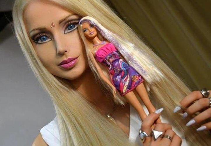 Valeria Lukyanova, conocida como la Barbie Humana, fue víctima de un par de delincuentes que incluso atentaron contra su vida. (Foto especial tomada de excelsior.com.mx)