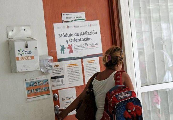 Atención primaria de salud ofrece el Seguro Popular. (Luis Soto/SIPSE)