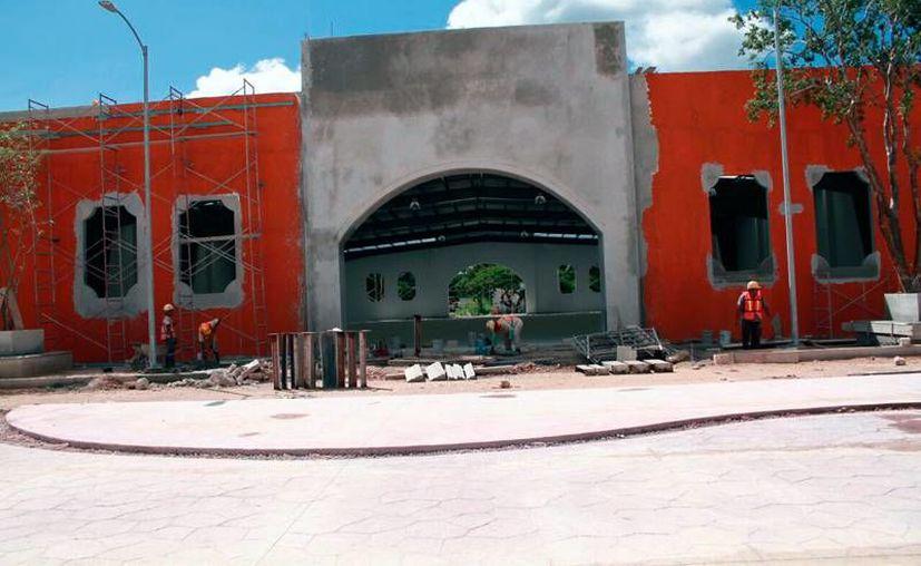 La modernización de las instalaciones que albergarán la Feria Yucatán Xmatkuil 2016 lleva más de 90 por ciento de avance. La exposición ganadera y comercial lleva será del 11 de noviembre al 4 de diciembre. (Jorge Acosta/SIPSE)