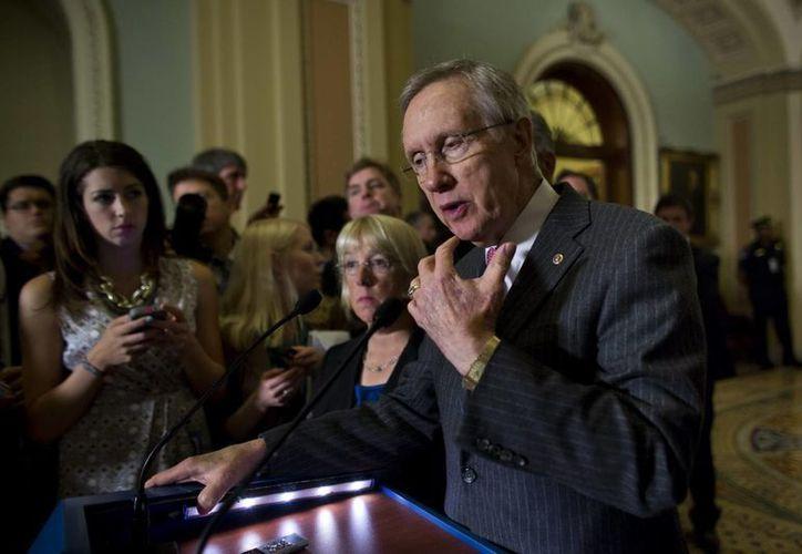 """Harry Reid, senador por Nevada, afirmó que no se trata """"de ver lo rápido que podemos hacer esto; debemos ver cómo lo hacemos bien"""". (Archivo/EFE)"""