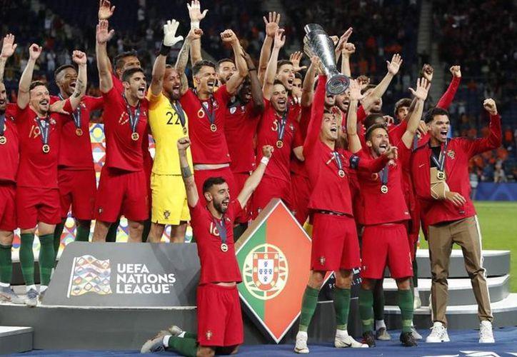 Portugal venció a Holanda y se coronó campeó de la Liga de Naciones. (AP)