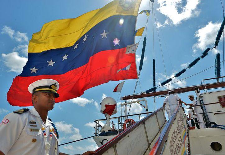 Es la tercera vez que el barco 'Simón Bolívar' llega a las costas de Cozumel; tienen actividades programadas para los cozumeleños. (Foto: Gustavo Villegas/SIPSE)