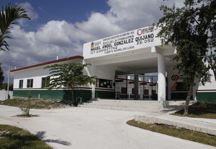 En Puerto Morelos se han contabilizado 11 edificios que serán refugios en caso de la entrada de un huracán. (Tomás Álvarez/SIPSE)