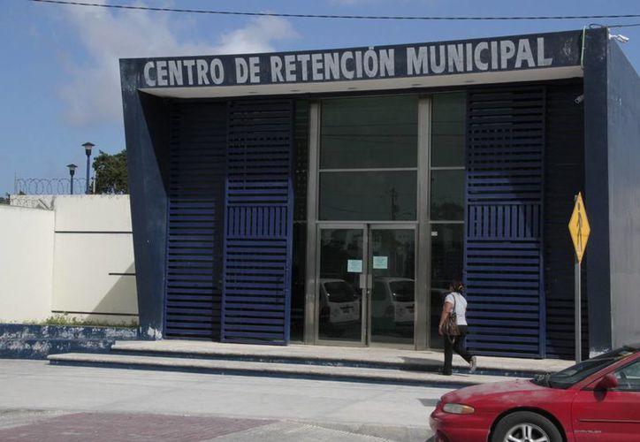 """Velan por la seguridad de los detenidos en """"El Torito"""". (Tomás Álvarez/SIPSE)"""