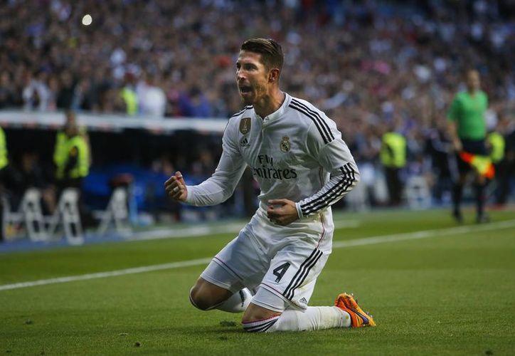 Sergio Ramos celebra el gol que anotó contra el Málaga. (Agencias)