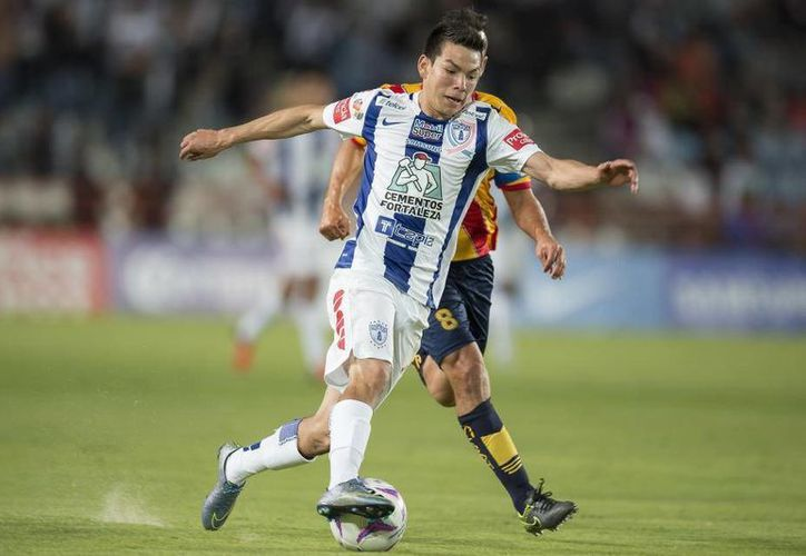 Este lunes se publicó en varios medios que el delantero mexicano y seleccionado nacional, Hirving Lozano, era un fuerte candidato a jugar con el Ajax de Holanda. Hoy salió a desmentirlo Marco Garcés, director deportivo de Pachuca. (Foto: univision)