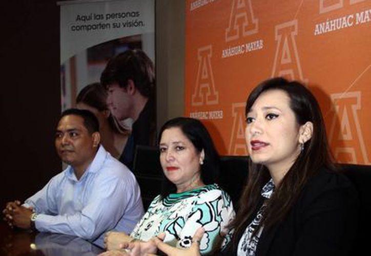 Imagen de la rueda de prensa donde se anunció la convocatoria de Startup México y la Unimayab en apoyo a los emprendedores. (Jorge Acosta/SIPSE)