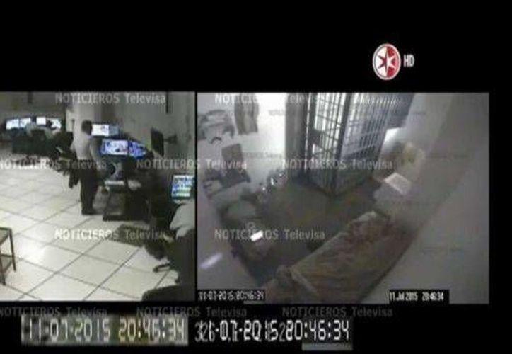 El Chapo Guzmán escapó del penal del Altiplano el pasado 11 de julio ante las miradas de los encargados de monitorear las cámaras de seguridad. (noticieros.televisa.com)