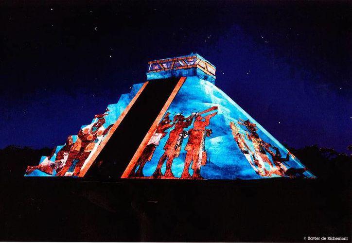 Según Cultur, al espectáculo   'Noches de Kukulkán' han acudido unas 40 mil personas. (Milenio Novedades)