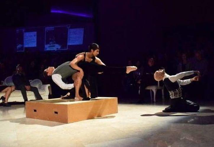 'Crónicas de la trashumancia' aborda por medio de la danza el tema de la migración. La obra  se presentará en el teatro  'Armando Manzanero' como parte del Festival Nacional e Internacional de Danza Contemporánea  'Oc´Ohtic'.(Sipse.com)