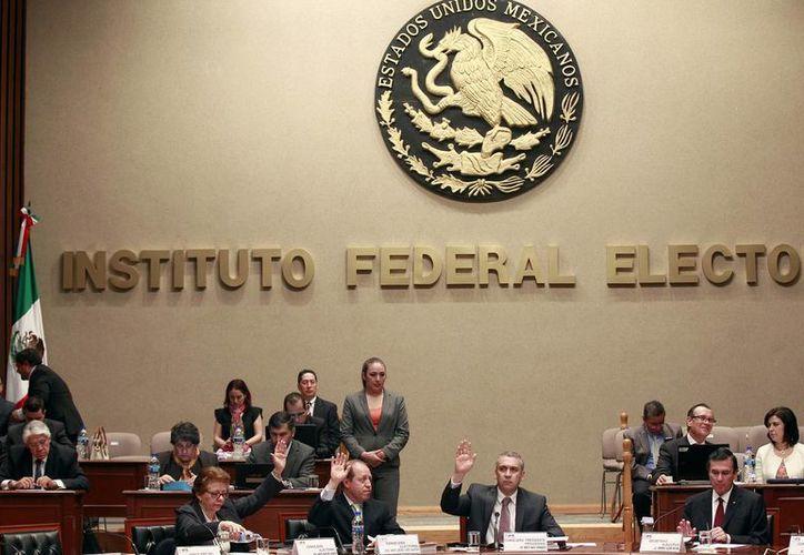 El IFE indica que cuenta con inmuebles cuyo valor asciende a más de mil 327 millones de pesos. (Notimex)