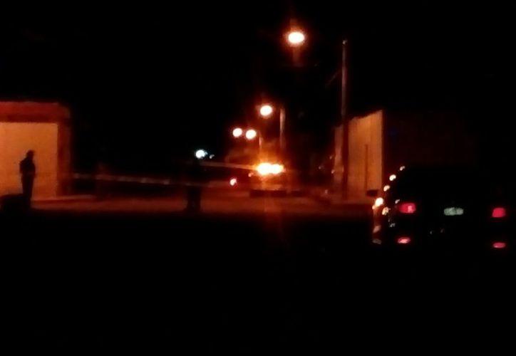 Al lugar llegaron varias unidades policiales y, con las características que los testigos proporcionaron del auto, los agentes montaron un operativo por toda la zona. (Foto: contexto)