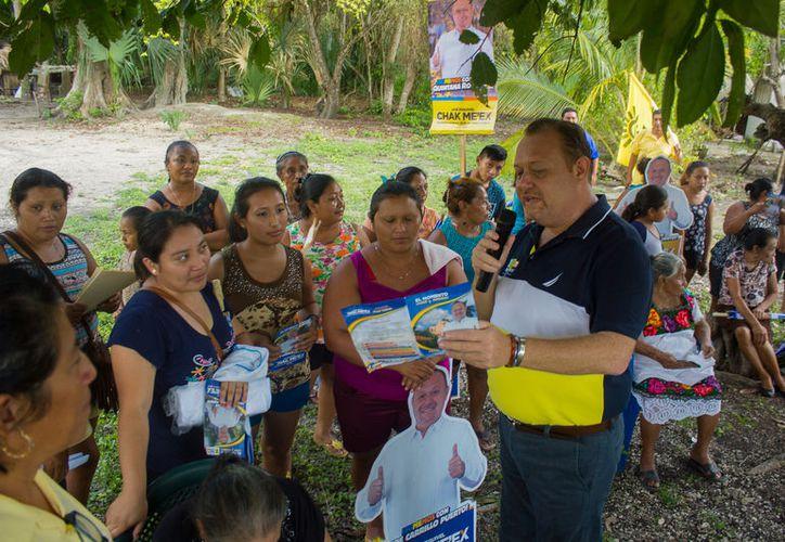 """""""El camino esta trazado, esta campaña es irreversible no nos van a parar, ni con sabotajes contra la radio de Sebastián Uc Yam"""", dijo José Esquivel. (Redacción/SIPSE)"""