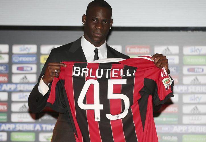 El Milan fichó a Mario Balotelli por 27 millones de dólares. (Foto: Agencias)