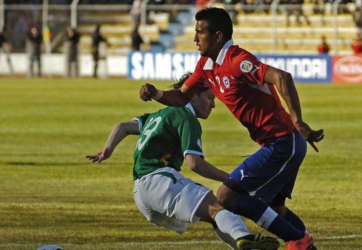 Bolivia y Chile se medirán el próximo 11 de junio en la decimocuarta fecha de las eliminatorias suramericanas del Mundial Brasil 2014. (EFE/Archivo)