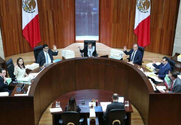 Los magistrados consideraron que las reglas actuales ponen en desventaja a los aspirantes sin partido. (Foto: Twitter)