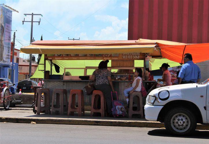 En todo el Estado se registran más de 25 mil establecimientos fijos y semifijos. (Foto: David de la Fuente)