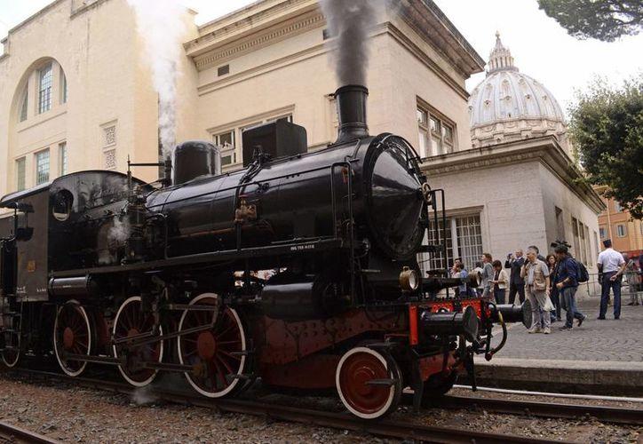 El paseo ferroviario hacia la residencia de Castel Gandolfo se suma al ramillete de atractivos turísticos que ofrecen Roma y la Santa Sede. (EFE)