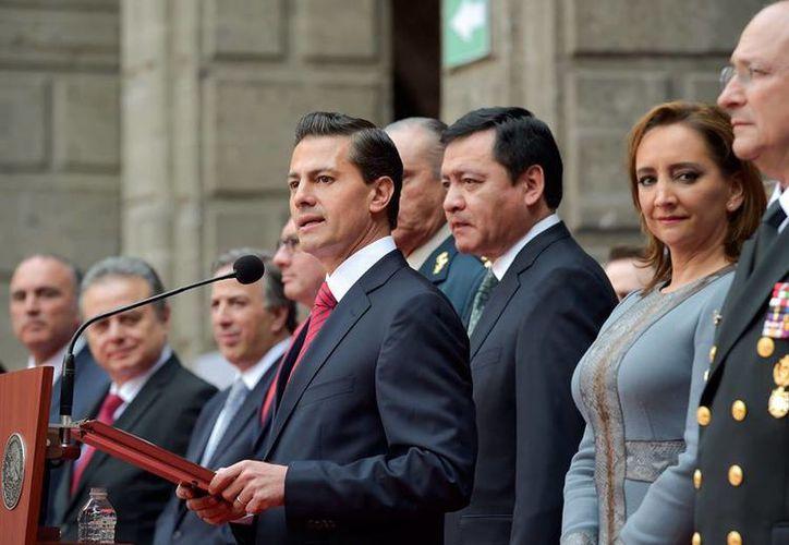 Peña Nieto saludó a miembros de su gabinete y servidores públicos del Gobierno de la República con motivo del fin de año. (Facebook/Enrique Peña Nieto)