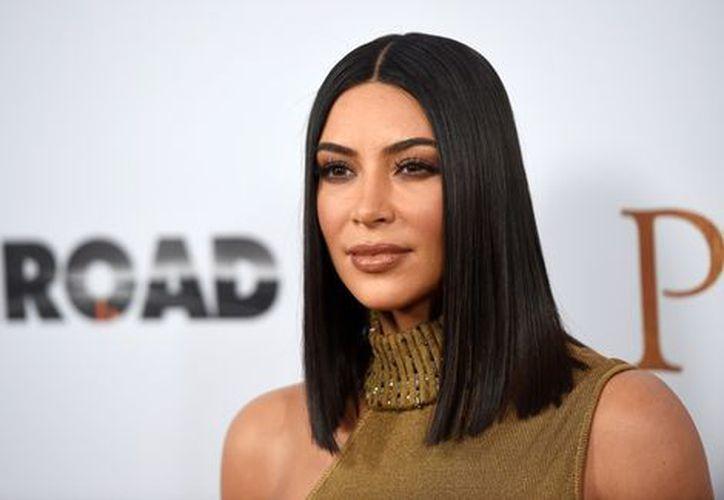 Kim Kardashian y su familia realizaron un donativo de 500 mil de dólares para las víctimas del huracán 'Harvey'. (AP).