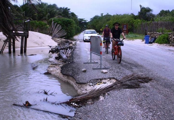 Protección Civil encabeza el operativo de monitoreo de las zonas vulnerables por las lluvias.  (Rossy López/SIPSE)