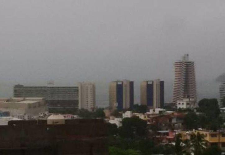 A consecuencia del mal tiempo 57 viviendas se inundaron en cuatro municipios del estado de Guerrero en las últimas horas. (Milenio)