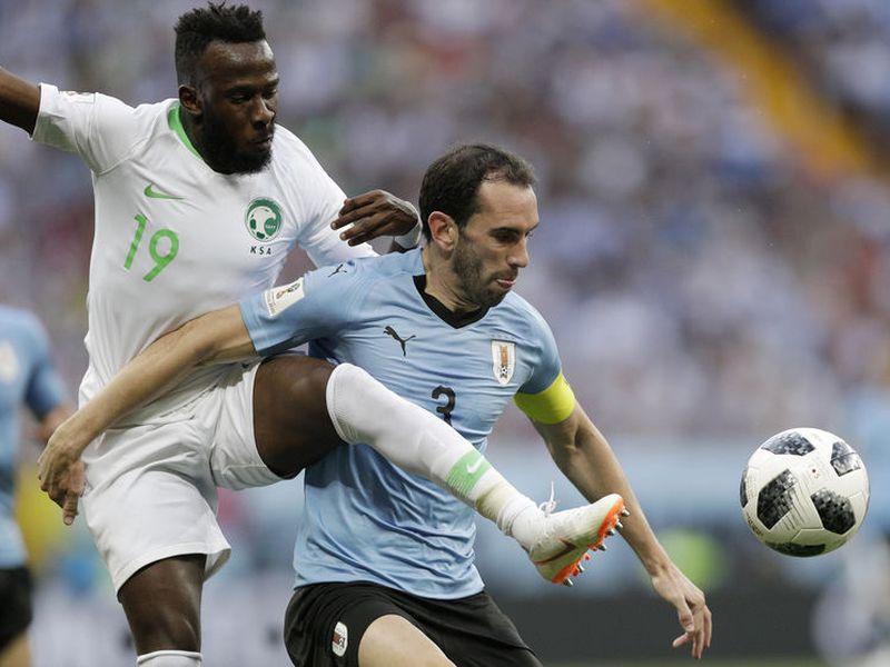 Tanto Uruguay como Rusia necesitan vencer hoy por cualquier marcador para avanzar como líder del Grupo A, y si empatan el líder será Rusia (Foto archivo AP)