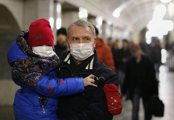 El ministerio de salud de Rusia asegura que los médicos tienen todos los medios necesarios para frenar la expansión del virus AH1N1. (EFE)