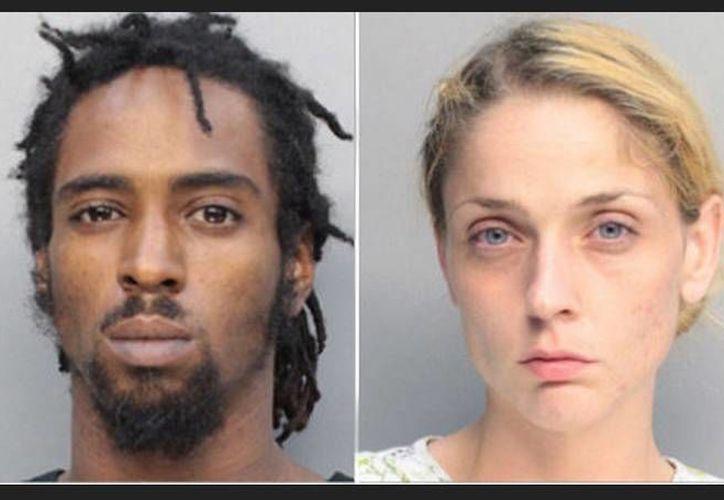 Javon Dade y su novia Alessandra Carrasco comenzaron a fumar marihuana y consumir cocaína antes de que el hijo del hombre fuera atacado por un perro pitbull. (AP)