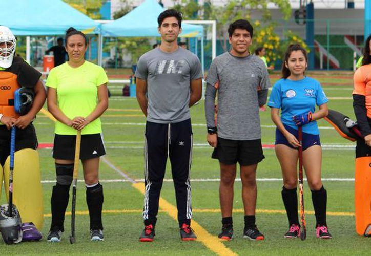 En un mes aproximadamente, el hockey estará en competencia en Chetumal. (Ángel Villegas/SIPSE)