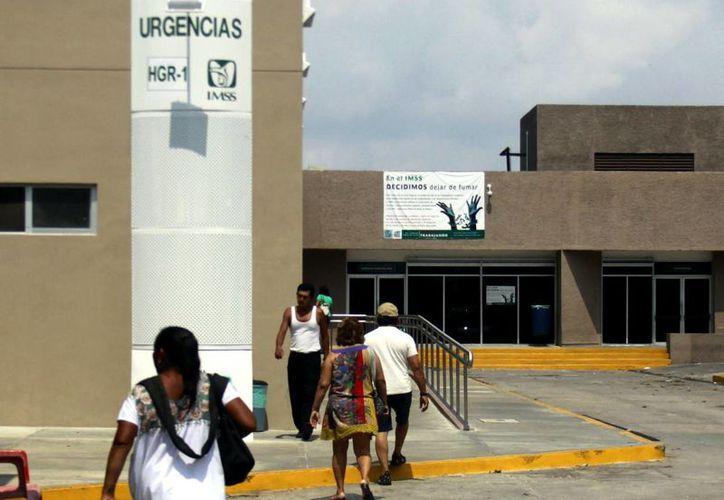 """Sala de Urgencias del """"Ignacio García Téllez"""", donde muchos pacientes llegan con crisis nerviosas que confunden con paro cardíaco.(Milenio Novedades)"""