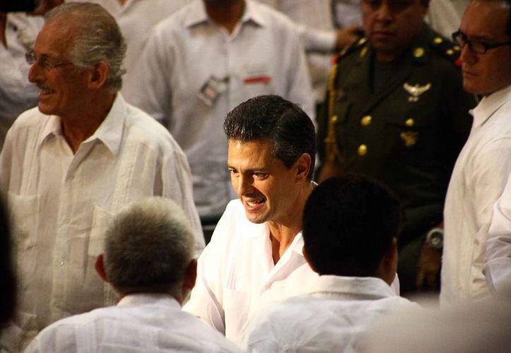 Enrique Peña Nieto durante su gira de trabajo en Yucatán. (Redacción/SIPSE)