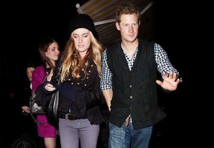 Harry conoció a Bonas en mayo de 2012 a través de la prima hermana del príncipe, la princesa Eugenia. (Internet)