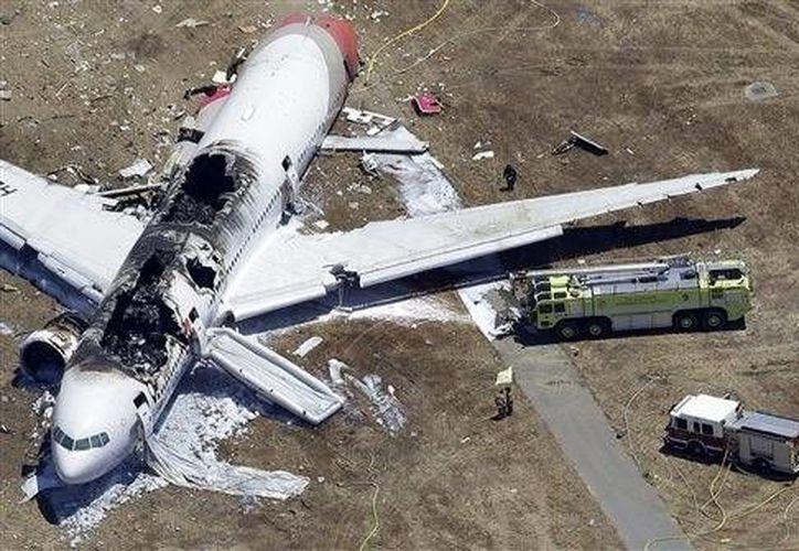 En total, 304 de las 307 personas a bordo sobrevivieron al accidente del vuelo 214 de Asiana Airlines. (Agencias)