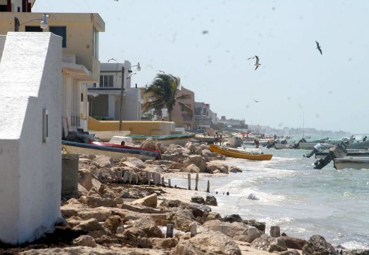 Pronostica la Conagua para este jueves nublados con lluvias fuertes en Campeche, y lluvias aisladas en Yucatán. (SIPSE)