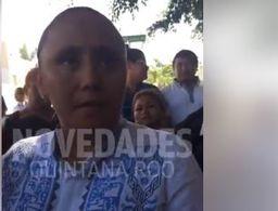 Cristina Torres vota en Playa del Carmen