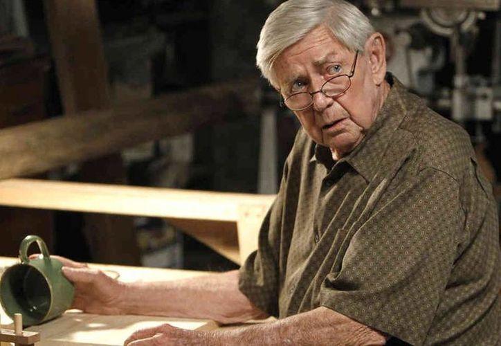 Ralph Waite en una foto de la cadena CBS en el papel de Jackson Gibbs, en el episodio <i>The Namesake</i> de la serie <i>NCIS</i>. (Agencias)