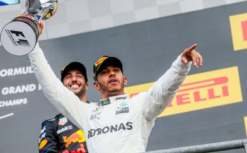 Los Mercedes arriba y las Ferraris al acecho