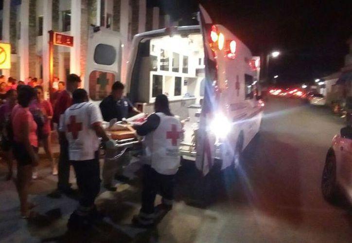 Cuatro bailarines fueron trasladados al hospital para ser valorados por la infección estomacal. (Foto: Redacción/SIPSE)