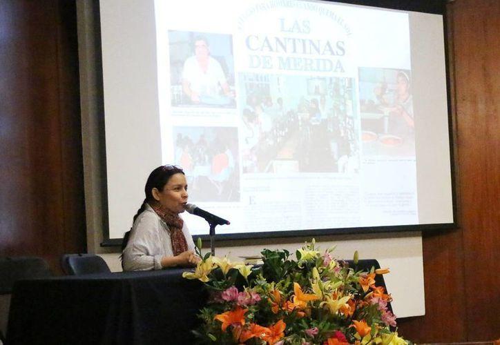 Patricia Martín Briceño ofreció la ponencia 'La Negrita, tradición renovada: historia renovada de una cantina de antaño'. (Milenio Novedades)