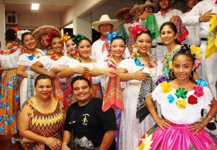 El grupo tuvo una actuación muy destacada en el Ciclo de Danza 2012. (Redacción/SIPSE)
