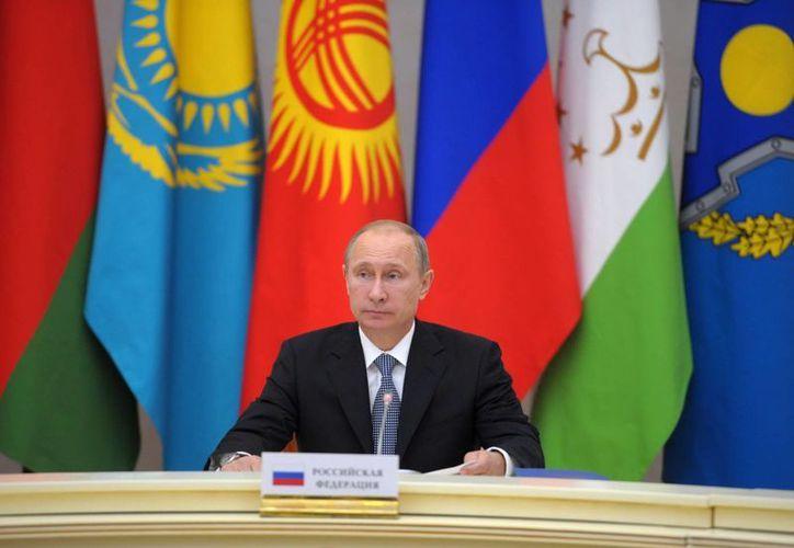 El portavoz de Putin indicó que el Mandatario no es partidario de recibir condecoraciones o premios. (EFE)