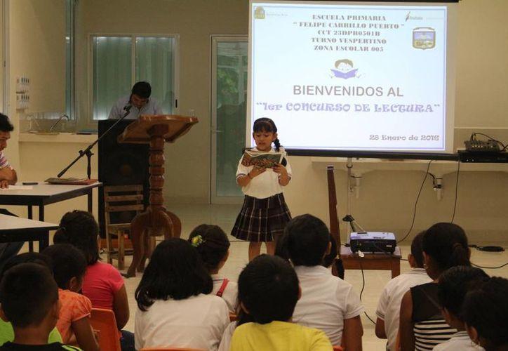 En el primer concurso de lectura participaron 11 menores de diversos grupos. (Benjamín Pat/SIPSE)