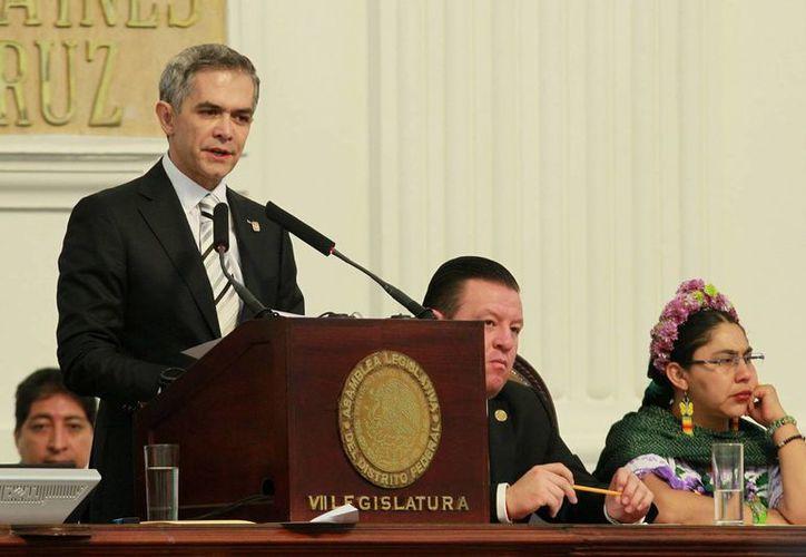 El jefe de Gobierno, Miguel Ángel Mancera entregó su cuarto informe de labores, que por primera vez, se referirá al estado que guarda la Ciudad de México, ya no el Distrito Federal. (Notimex)