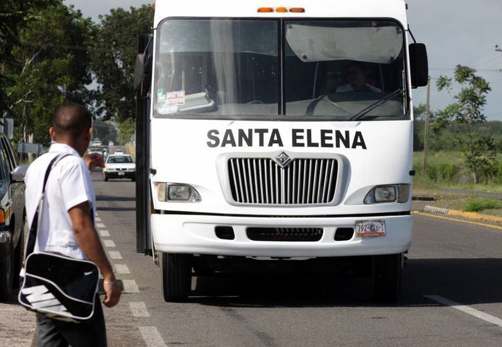 Oficialmente los transportistas no han solicitado un aumento de la tarifa; los rumores persisten. (Archivo/SIPSE)